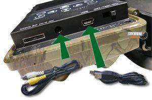 Opgenomen wildcamera video's en foto's bekijken op computer of TV d.m.v. bijgeleverde kabeltjes